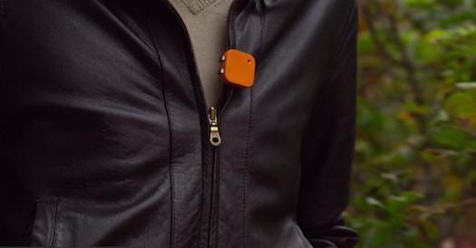 Le Memoto est minuscule et s'attache à n'importe quel vêtement.